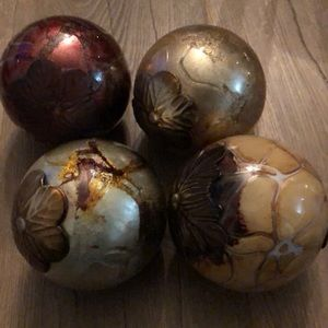 Pier 1  Decorative Spheres Balls